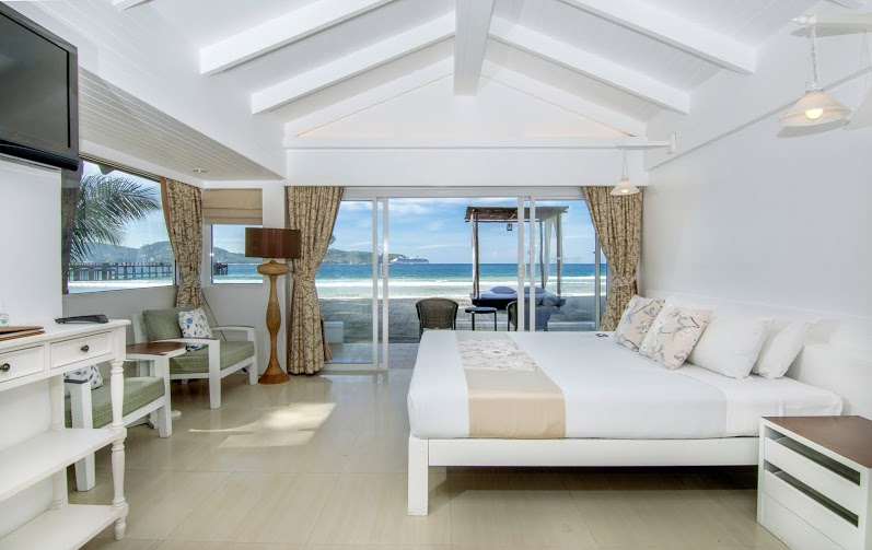 Beachfront_Cottage_Bedroom_Seaview_Thavorn_Beach_village_And_Spa