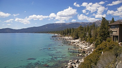 Lake Tahoe Is The Largest Alpine Lake In The US.