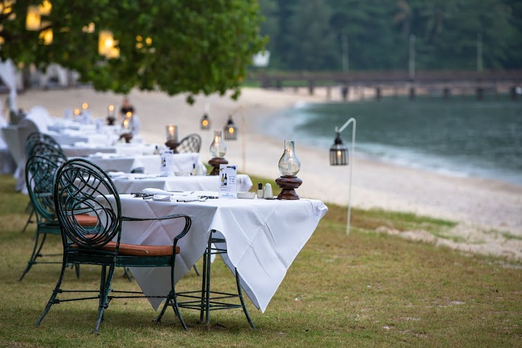 Romantic Dinner on The Bech Thavorn Beach