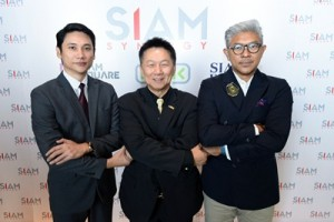 Mr. Thanapat Chayutirat_ Mr. Sompol Tripopnart_  and Mr. Dan Zonmani in a press conference
