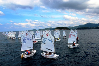 Optimist gets ready at start line Photo by Narumon Prapawong  Phuket King's Cup Regatta
