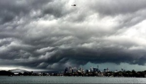 Storm closes in on Sydney