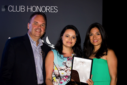 Avianca Airlines presents Fareportal with the Club Honorees Award.