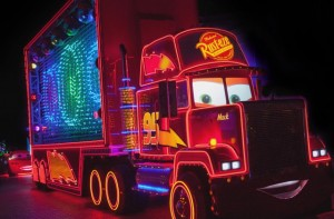 Mack-Truck-in-Paint-the-Night-1_15_DLR_9507-640x420