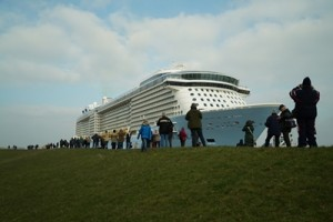 Ovation of the Seas Conveyance (2)