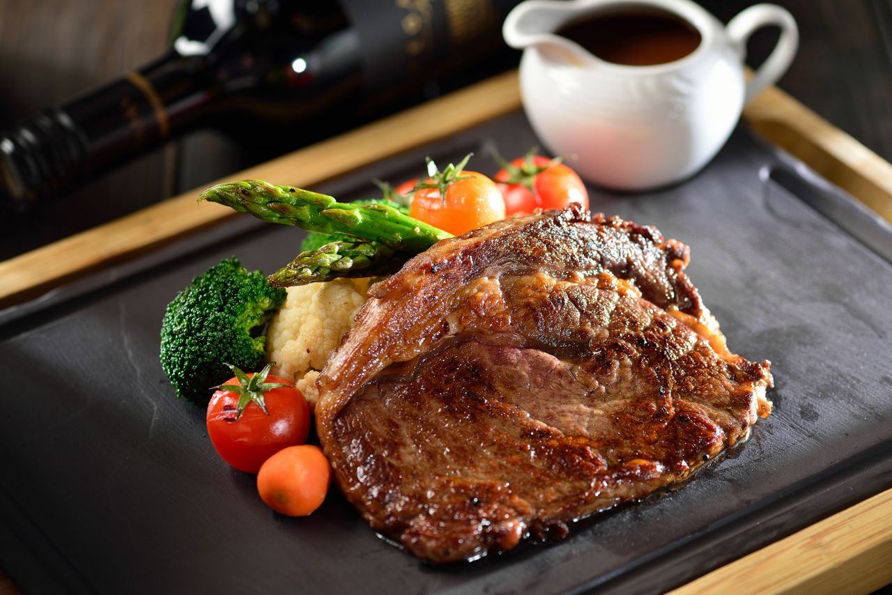 4_Avanti Pizzeria_Grilled Striploin Steak  意廊_扒西冷牛扒