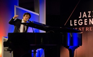 Jamie Cullum Performance at The St. Regis Dubai 31 March 2016