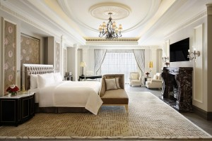 Sir Winston Churchill Suite - Large Master Bedroom