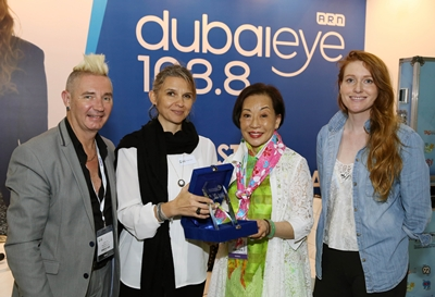 jean-chang-accepting-the-award-from-nadege-noblet-segers