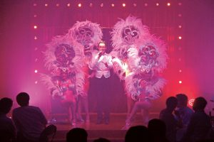 Enrich_Scenic-Rouge_Lyon_France-Cabaret-Dancers-and-Singer
