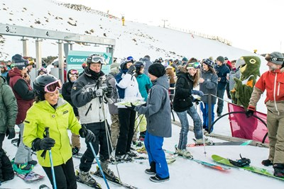 Amisfield bubbles for all at Coronet Peak opening