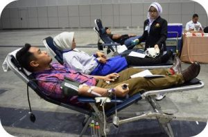 Blood_donation_campaign_at_the_Kuala_Lumpur_Convention_Centre_low_res