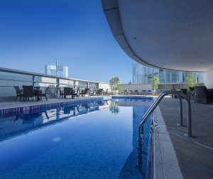 rooftop-pool-at-emirates-grand-hotel-4