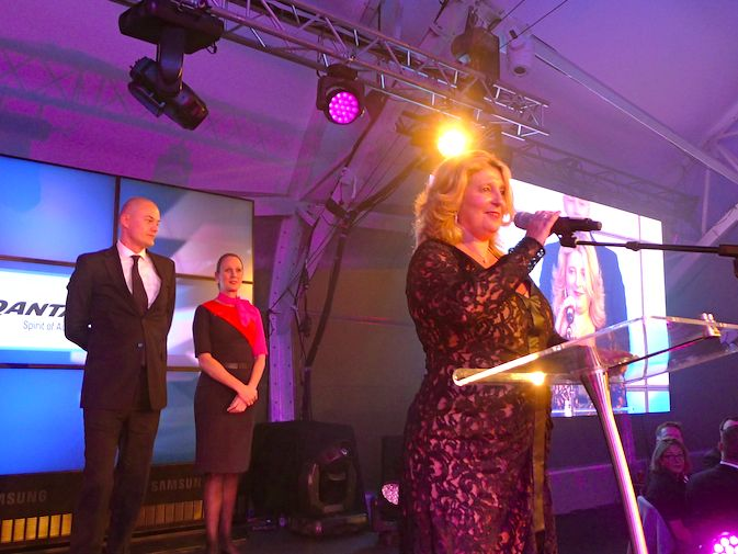 BEST TRAVEL AGENCY – CORPORATE SINGLE LOCATION- Spencer Travel. Penny Spencer accepts award