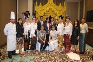 Miss Thailand Group with Hotel Management 2