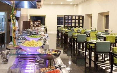 metro-live-cooking-at-millennium-plaza-hotel-dubai