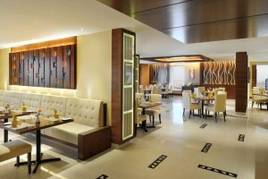 panorama-restaurant-on-43rd-floor-at-emirates-grand-hotel-2