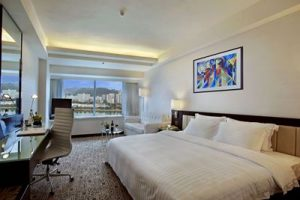 2-executive-club-river-view-room