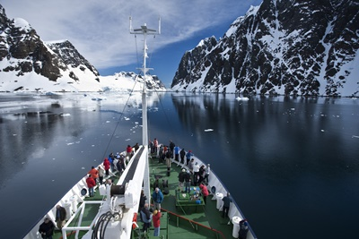 cruising-through-the-famous-lamiere-channel-antarctica-aurora-expeditions