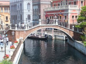 gondola-on-the-canals