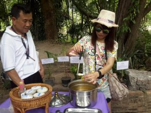 balm making at Somdet Phra Srinagarindra Park
