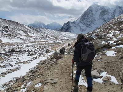 120217_nepal_trekker_mountains_kyle-taylor-for-ia_ccaf