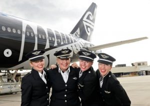 air-new-zealand-all-female-b777-flight-crew-on-tarmac