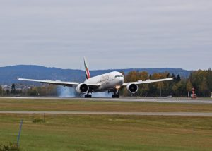 emirates-skycargo-weekly-freighter-service-to-oslo-photo-avinor-oslo-airport