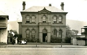 historic-image-of-the-old-bank