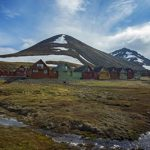norway-longyearbyen-town-mountains-landscape-0m4a4184-lg-rgb