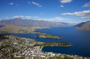 queenstown_aerial_view_wakatipu_basin_2008_02