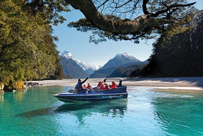 wakatipu-locals-can-enjoy-exciting-jet-boating-at-dart-river-jets-local