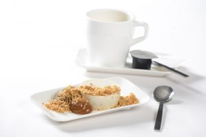 business_vanilla-and-amaretto-panna-cotta-with-dried-pear-jelly-dulce-de-leche-malt-crumble-4
