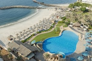 coral-beach-resort-sharjah-pool