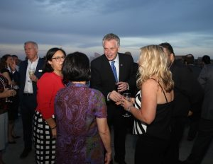 governor-of-virginia-terry-mcauliffe-with-travel-industry-visitors-in-sydney