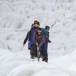 guests-and-guide-enjoying-a-mt-cook-glacier-guiding-trip