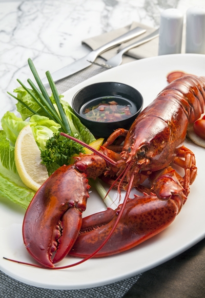 steamed-canadian-lobster