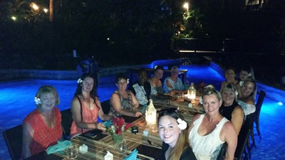 tc2_dinner-in-the-pool-at-radisson-blu