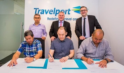 travelport-signing-photo-1