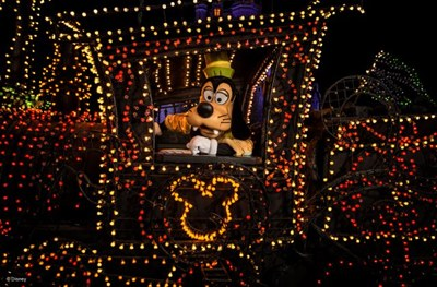 disneys-electrical-parade-9-640x420