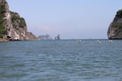 halong-rowers