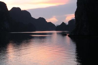 halong-sunset